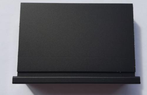 Черный алюминиевый профиль 1