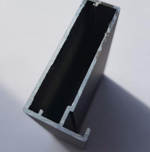Черный алюминиевый профиль 2
