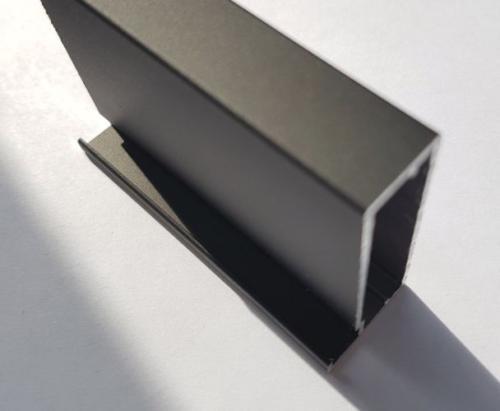 Черный алюминиевый профиль 3