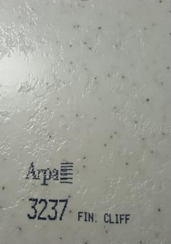 3237-fin-cliff